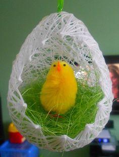 Velikonoční vajíčko z nití
