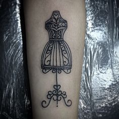 #blackwork #tattoo #fashiontattoo #moda #rafaelfleurytattoo