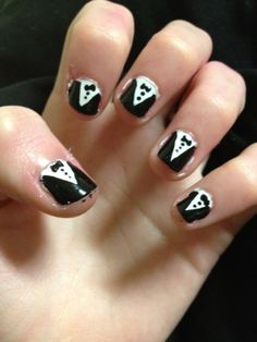 Dressed up nails remind me of my husbandd...harry style <3