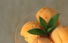 La ricetta per fare un fresco sorbetto alle albicocche - Ecco per voi la ricetta per preparare un ottimo  sorbetto alle albicocche, un dessert delizioso, fresco e leggero, un'ottima alternativa al gelato ma più light!