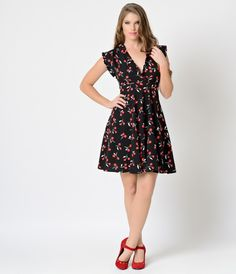 Feeling like a vintage vision, gals? A carefree retro inspired frock with an eye for Eastern detail from Unique Vintage, the Marina Dress is a charming combination of past and present sensibility. Cast in a demure unlined crepe chiffon and peppered in a