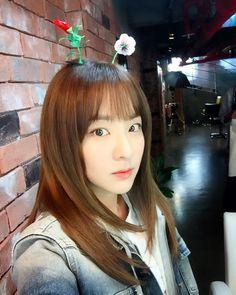 이 머리핀이 요즘 중국에서 인기가 많다던데 나 트렌디한 여자에요!!! _v 우후훗!!!  by daraxxi