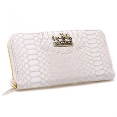 Original Coach Accordion Zip In Croc Embossed Large White Wallets EO8697