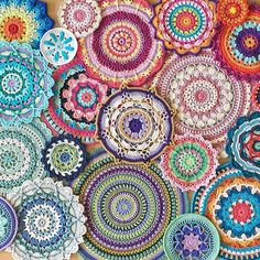 Follow my colorful journey through #52weeksofmandalas! For every week this year I will crochet a mandala. My own patterns both new and old and other amazing mandalas by different designers. All these beauties make me very happy and I would love to shar