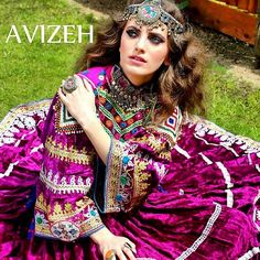 Afghan traditional clothes and jewelry Afghani Clothes, Indian Clothes, Afghan Wedding Dress, Afghanistan Culture, Afghan Girl, Afghan Dresses, Desi Wear, Boho Tops, Traditional Dresses