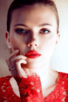 Scarlett Johansson. Want to try this lipstick shade now :) #scarlett #johansson #lipstick