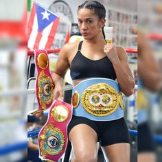 "AMANDA SERRANO DEFENDS HER WORLD TITLE FRIDAY IN ""VIERNES DE CAMPEONES EN CASINO METRO BOXING NIGHTS"" AT THE SHERATON PUERTO RICO HOTEL & CASINO Puerto Rican People, Female Mma Fighters, Male Boxers, World Boxing, Ufc Boxing, Puerto Rico History, Boxing History, Puerto Rican Culture, Boxing Girl"