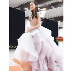 Résultat d'images pour dilraba dilmurat Modest Dresses, Pretty Dresses, Strapless Dress Formal, Prom Dresses, Girls Fashion Clothes, Girl Fashion, Angel Bridal, Prettiest Actresses, China Girl