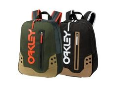 Oakley B1B Pack Golf Deal by More Golf Today Golf Deals offers the Oakley backpack for only $29.99. Oakley B1B…