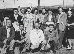 Walter Markin com alguns surdos num congresso em Cleveland, Ohio, em 1946