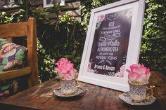 A Bruna e o Renan fizeram seu casamento em um restaurante e gastaram ao total R$15.000. Eles apostaram em super tendências em miniwedding. Confira aqui!  www.casandosemgrana.com.br #casamento #casamentoaoarlivre #casamentonatureza #casamentointimo #miniwedding #casamentosimples #casamentoboho #casamentoDIY #DIY #SP #noiva #noivos #vestidodenoiva #noivosreais #noivado #festa #cerimônia #buquê #casal #amor #wedding #weddingboho #branco #love #noivasp #noivos #flores #centrodemesa #decor #inspo