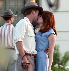 Emma Stone, Ryan Gosling Gangster Squad they work so well together Ryan Gosling Style, Barbara Ann, I Love Cinema, A Writer's Life, Lightbulbs, Jazz Musicians, Gangsters, Emma Stone, Best Friends Forever