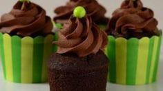 Recipes - Chocolate Cupcakes Recipe Demonstration - Joyofbaking.com