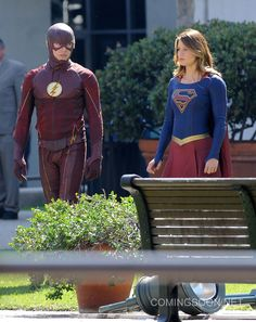 The Flash/Supergirl Crossover is Not About Ratings, It's About Fun
