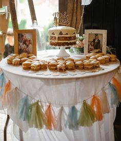 naked cake + mini cakes