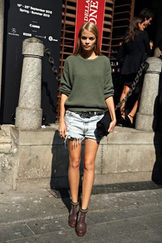 #FranziskaFrank and her short shorts #offduty in Milan.
