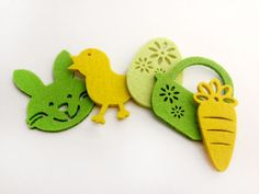 Super cute Easter felt decorations produced by IMI. Out now with PennyGirl magazines.