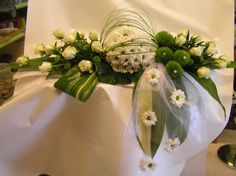 Or Centerpiece? Church Wedding Flowers, Funeral Flowers, Bridal Flowers, Modern Floral Arrangements, Funeral Flower Arrangements, Deco Floral, Arte Floral, Floral Wedding, Wedding Bouquet