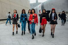 See all the best off-catwalk style from the streets outside Seoul Fashion Week