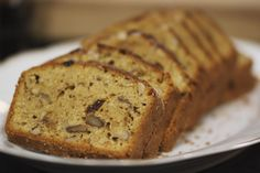 This low-carb nut cake is perfect as a snack within a carbohydra . Flours Banana Bread, Banana Bread Recipes, Cake Recipes, Healthy Cake, Healthy Sweets, Low Carb Desserts, Low Carb Recipes, Go For It, Pureed Food Recipes