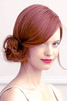 Ditch the Aqua Net hairspray and pageant hair curlers. This year's hottest prom hairstyles are all about soft, undone looks