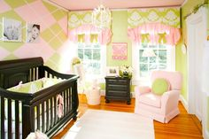 omg the rest of the pink and green nursery...