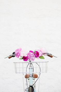 DIY: floral bicycle handlebars