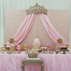 Royal pink and gold princess baby shower party! See more party planning ideas at CatchMyParty.com! #decoracionbabyshower