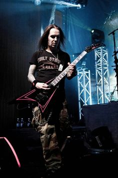 Alexi Laiho (Children of bodom) Heavy Metal Music, Heavy Metal Bands, Music Stuff, My Music, Alexi Laiho, Children Of Bodom, Epic Photos, New Bands, Metalhead
