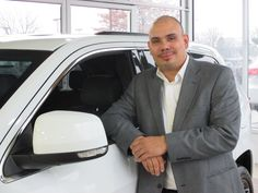 Manning Galagarza, Sales Manager