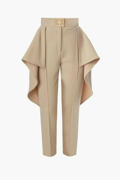 Pants are having a moment thanks to brands like Marni, Miu Miu, Delpozo, Mark Jacobs who have added extra's and turned them into the main focal-point of an outfit. Moda Fashion, Fashion Pants, Hijab Fashion, Fashion Dresses, Couture Fashion, Womens Fashion, Wrap Pants, Fashion Details, Fashion Design