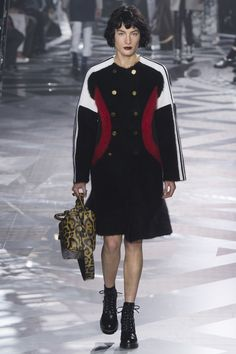 Louis Vuitton Fall 2016 Ready-to-Wear Fashion Show - Heather Kemesky