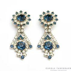 Orecchini in oro bianco con diamanti blu