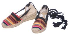 A bohemian clan of troubadours, LOS BERNARDOS – BERNARDO, BERNARDA, and BERNARDI – scatter their romantically rebellious spirit wherever they wander.Stripped cotton canvas upper hand stitched to jute espadrille platform with rubber coating on the bottom. Height at heel is [...]