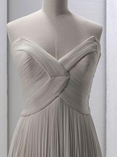Grès, Robe du soir bustier (détail), Printemps-Été 1964 © Stéphane Piera / Galliera / Roger-Viollet