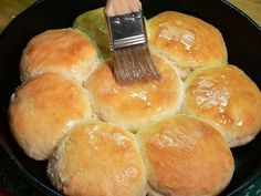 All You Can Eat Breakfast Buffet: Cast Iron Skillet Buttermilk Biscuits - Dezdemons Cast Iron Skillet Cooking, Skillet Bread, Iron Skillet Recipes, Cast Iron Recipes, Skillet Food, Cast Iron Corn Bread Recipe, Cast Iron Bread, Skillet Cornbread, Skillet Cookie