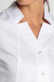 BATA LARGA MANGA CORTA... Scrubs Uniform, Lab Coats, Nurse Costume, Kurti Neck Designs, Duster Jacket, Uniform Design, Medical Scrubs, Work Attire, Shopping Hacks