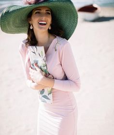 Amazing fashion with Wide Brim Hats Wedding Guest Style, Wedding Looks, Spanish Wedding, Cocktail Outfit, Races Fashion, Kentucky Derby Hats, Wide-brim Hat, Hats For Women, Party Wear