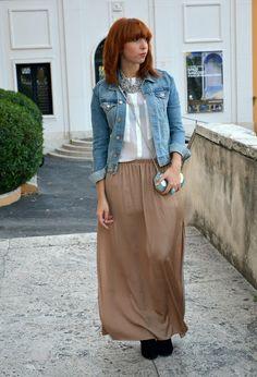 http://cdn0.chicisimo.com/thumbs/files/2012/10/hm-jackets-romwe-clutches~look-main-single.jpg