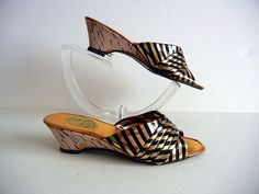 1970s shoes / Shes Golden Vintage 70's Stripe Cork Heel Wedge Shoes