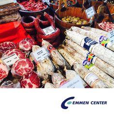 Der Street Food Markt ist eröffnet! Schlemmt euch bis 12. August jeden Freitag von 11 bis 21 Uhr durch das ständig abwechselnde Angebot.