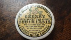 YELLOW BACKGROUND PICTORIAL TOOTHPASTE POT LID