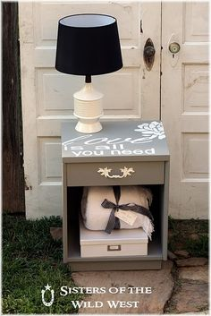 A great table makeover http://sistersofthewildwest.blogspot.com/2011/06/nightstand-makeover.html  #diy #make #repurpose #table #side #night #stand #furniture #makeover #decor #ideas