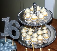 Silver and Gold MIni-Cupcakes!