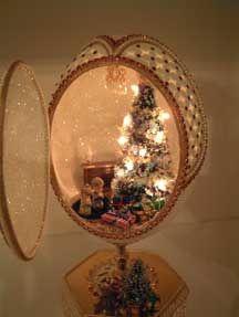 Christmaseggs Holiday Time, Christmas Time, Christmas Crafts, Christmas Ornaments, Emu Egg, Types Of Eggs, Egg Shell Art, Egg Crafts, Egg And I