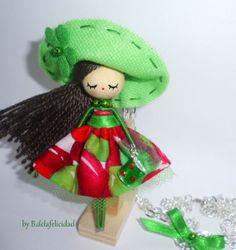 Collar de muñeca/ Doll necklace de De la felicidad........ por DaWanda.com