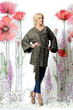 Золотое пальто UONA. 14500 ₽. Стильное и очень удобное! #пальто #весна #купитьпальто #красивоепальто #теплоепальто #легкоепальто #российскиедизайнеры #пальтодемисезонное #пальтостильное #пальтобезподкладки #пальтоспоясом #вечернеепальто