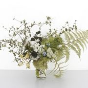 cheap rustic centerpieces: ferns, queen annes lace, is that potato vine?
