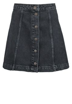 Give a twist to the current 70s trend and rock the A-line mini skirt in washed out denim for a Berlin inspired style twist.