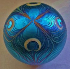 Exquisite PEACOCK Feather ORIENT FLUME Blue Aurene SIGNED Glass PAPERWEIGHT 1976